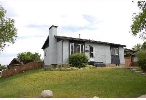 House for sale at 2 Fairchild Dr St. Albert Alberta - MLS: E4168476