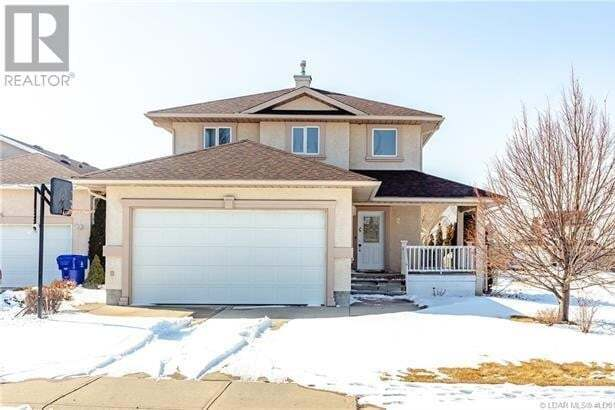 House for sale at 2 Fairmont Cres South Lethbridge Alberta - MLS: LD0192003