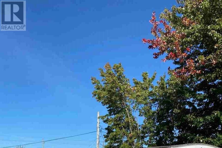 Home for sale at 2 Gerry Ln Dartmouth Nova Scotia - MLS: 202022144