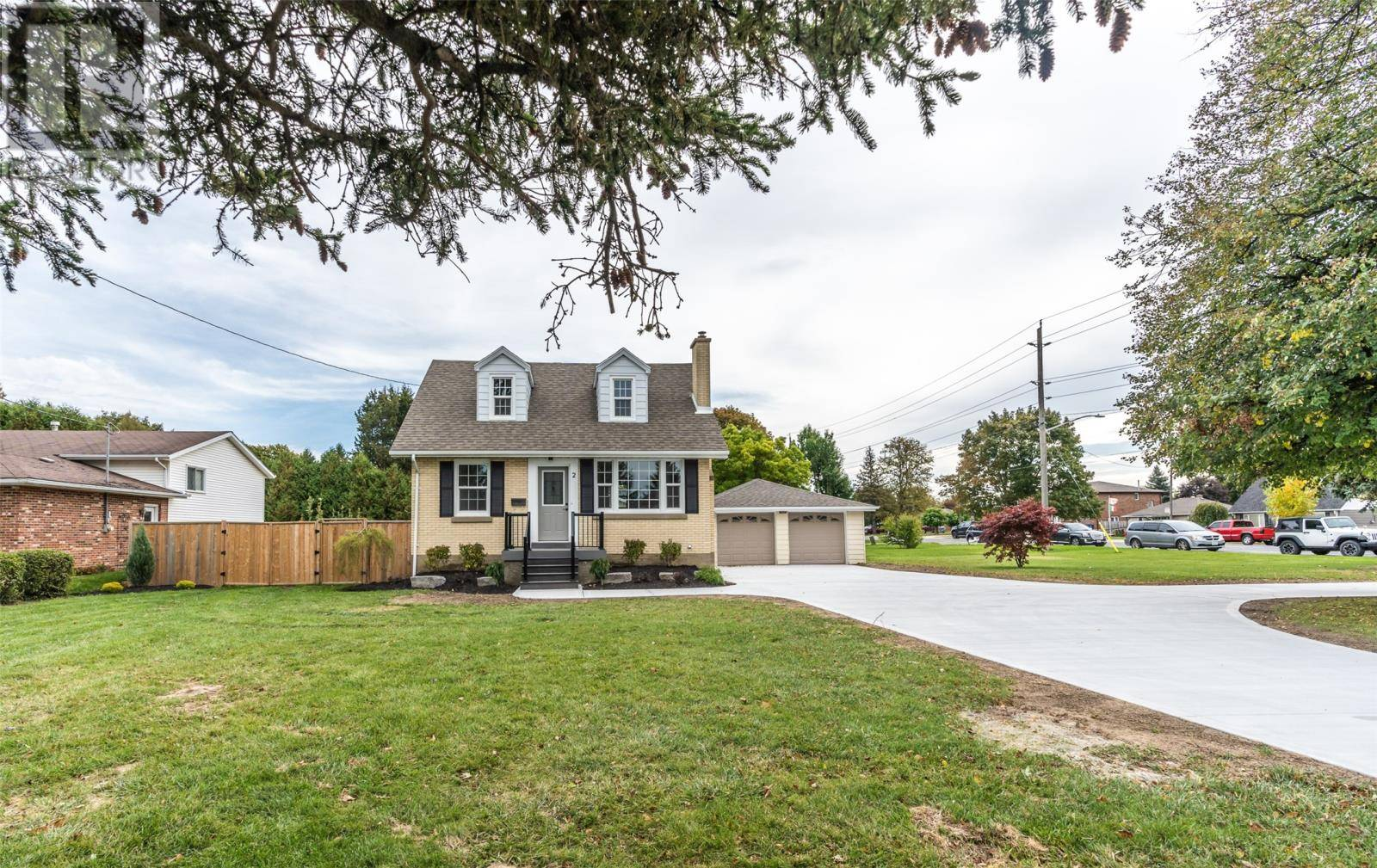 House for sale at 2 Gregory Dr East Chatham Ontario - MLS: 19027190