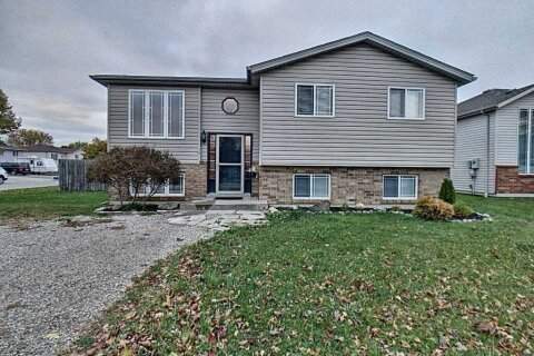 House for sale at 2 Hart St Amherstburg Ontario - MLS: X4966527