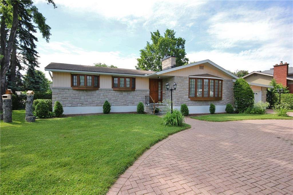 House for sale at 2 Hillview Rd Nepean Ontario - MLS: 1161600