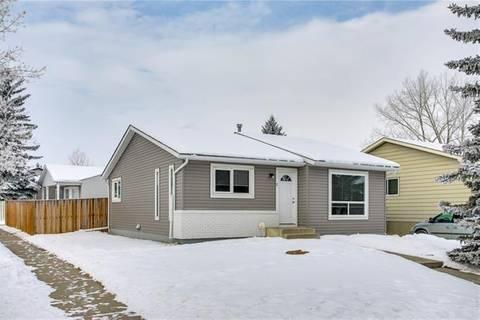 House for sale at 2 Hunters Cres Okotoks Alberta - MLS: C4279353