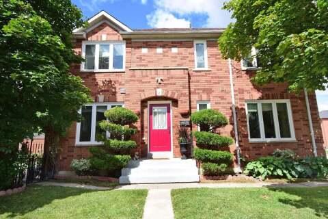 Townhouse for sale at 2 Lofty Pines Pl Brampton Ontario - MLS: W4917523