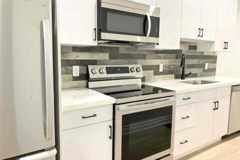 Townhouse for rent at 252 Glenlake Ave Unit #2-Main Toronto Ontario - MLS: W4811346