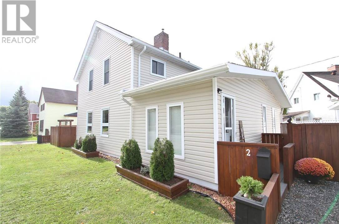 House for sale at 2 Market St Copper Cliff Ontario - MLS: 2081965