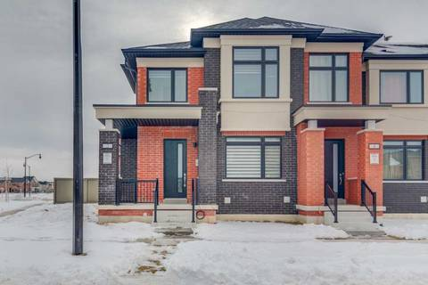 Townhouse for sale at 2 Military Cres Brampton Ontario - MLS: W4692089