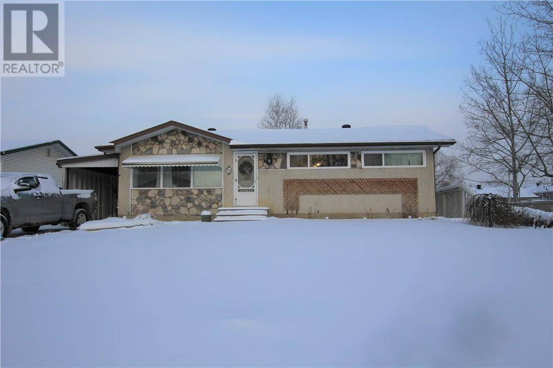 House for sale at 2 Moberly Cres Fort Mcmurray Alberta - MLS: fm0184070