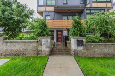 Townhouse for sale at 2 Nanaimo St Vancouver British Columbia - MLS: R2463605