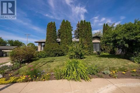 House for sale at 2 Noble Cres Saskatoon Saskatchewan - MLS: SK778952