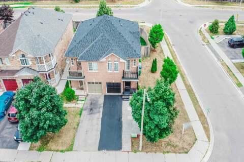 Townhouse for sale at 2 Ozner Ct Brampton Ontario - MLS: W4858224