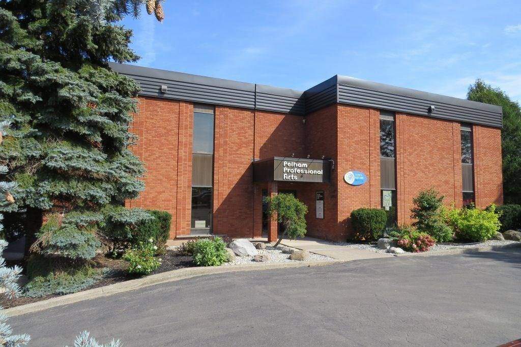 Commercial property for lease at 2 Pelham Town Sq Fonthill Ontario - MLS: 30797305