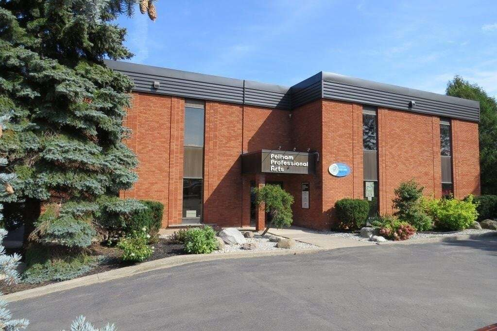 Commercial property for lease at 2 Pelham Town Sq Fonthill Ontario - MLS: 30813585