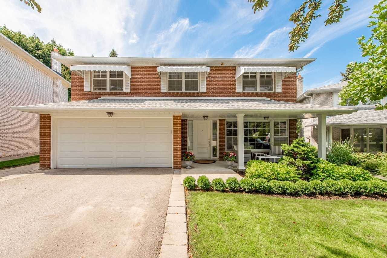 For Sale: 2 Sherin Court, Toronto, ON   4 Bed, 3 Bath House for $1388900.00. See 35 photos!