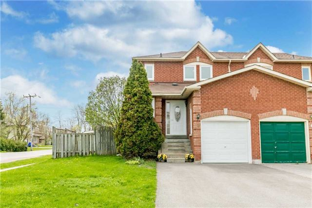 For Sale: 2 Skybird Lane, Georgina, ON | 3 Bed, 2 Bath Townhouse for $479,900. See 20 photos!