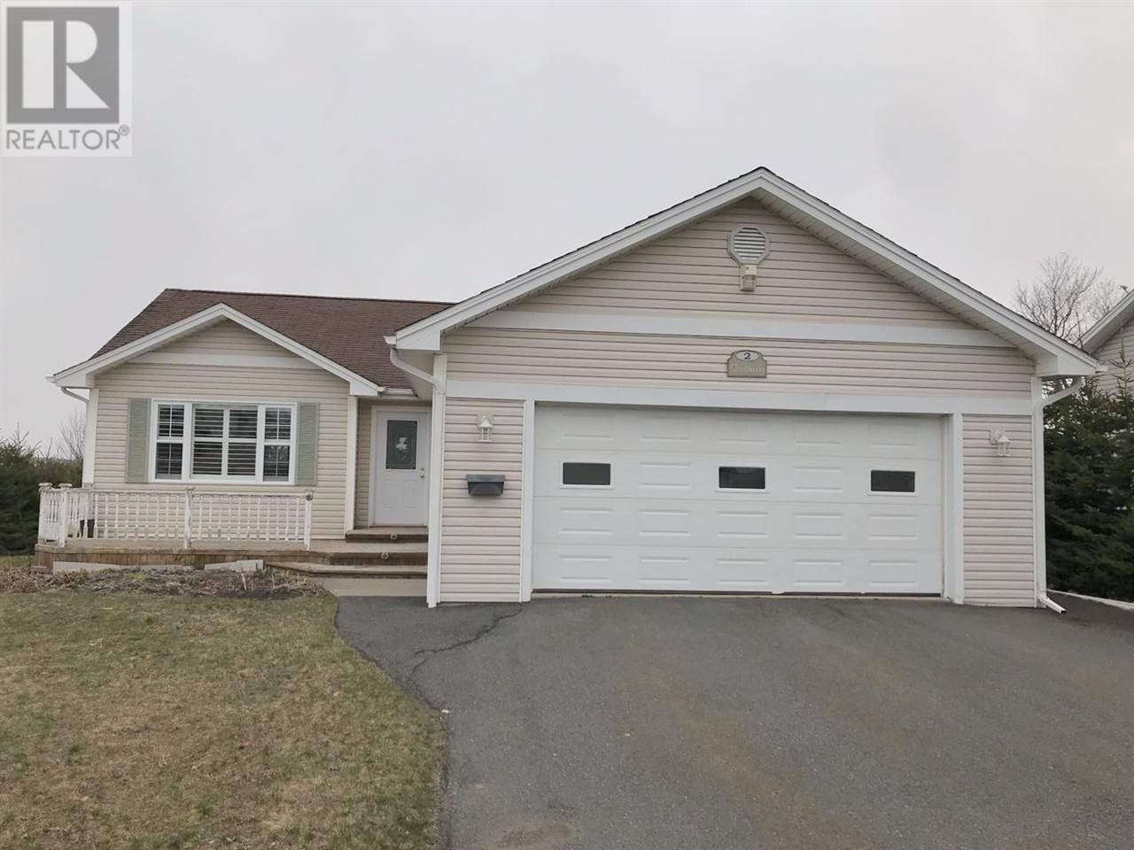 House for sale at 2 Southway Cres Charlottetown Prince Edward Island - MLS: 202004011