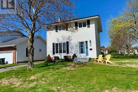 House for sale at 2 Spruce St Charlottetown Prince Edward Island - MLS: 201905604