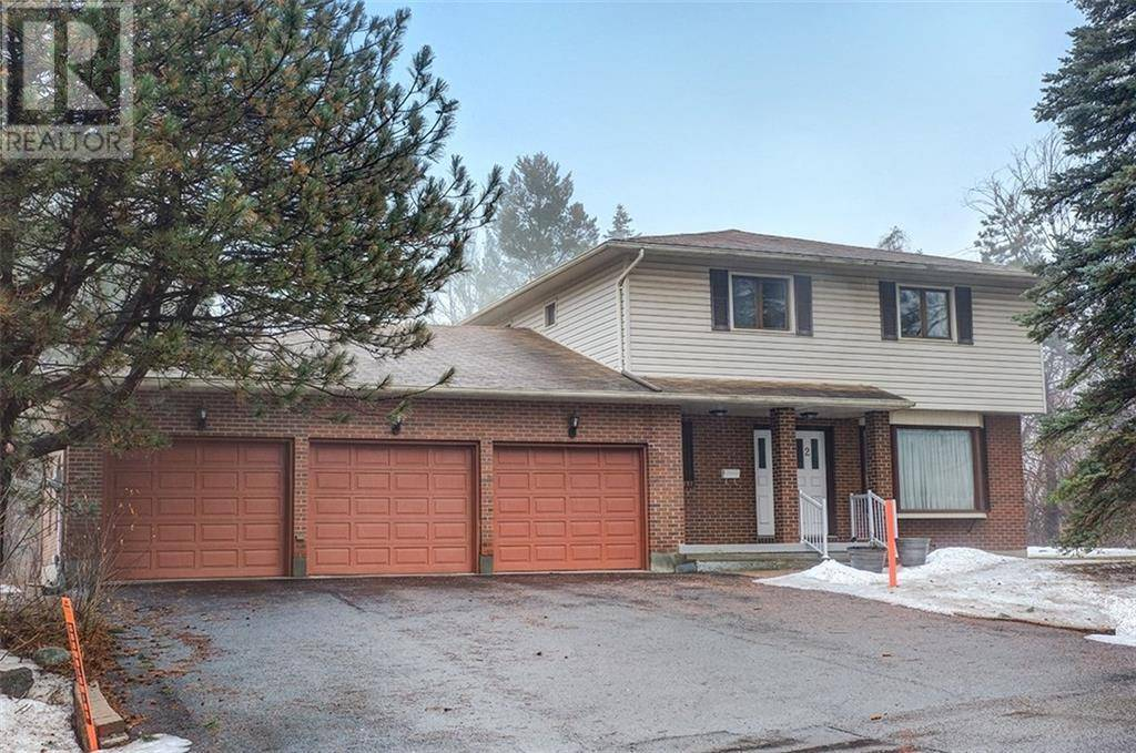 House for sale at 2 Swans Wy N Ottawa Ontario - MLS: 1181407