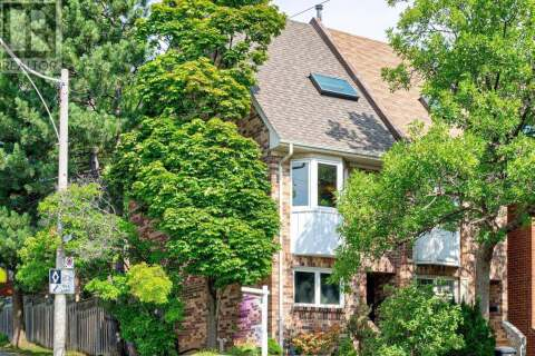 Townhouse for sale at 2 Torbrick Rd Toronto Ontario - MLS: E4910332
