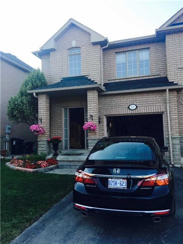 For Sale: 2 View Green Crescent, Toronto, ON | 3 Bed, 4 Bath Townhouse for $689,000. See 9 photos!