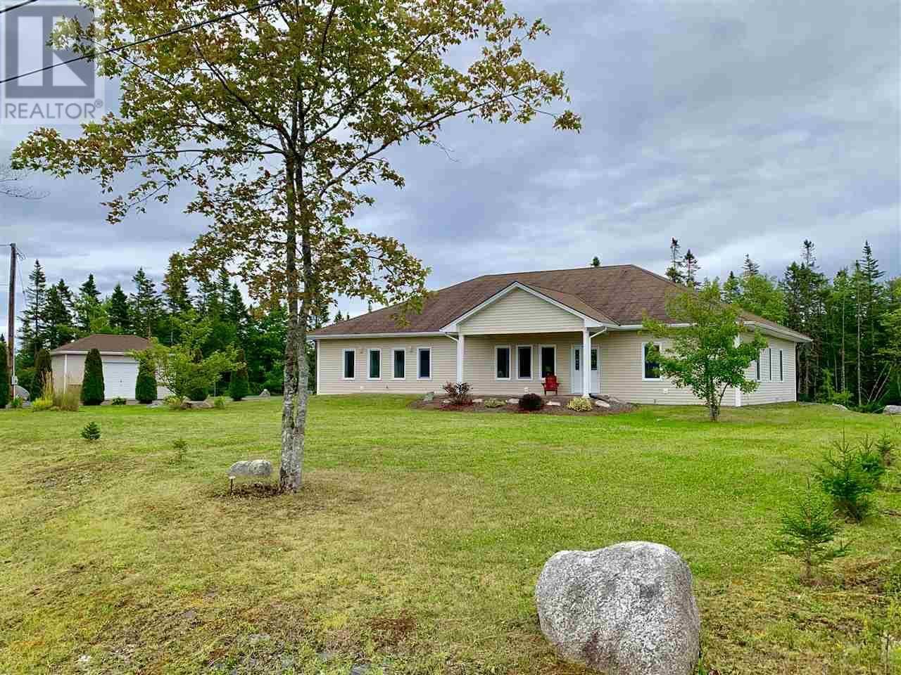 House for sale at 2 Westridge Rd Hatchet Lake Nova Scotia - MLS: 201920885