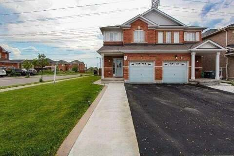 Townhouse for sale at 2 Wicklow Rd Brampton Ontario - MLS: W4804064