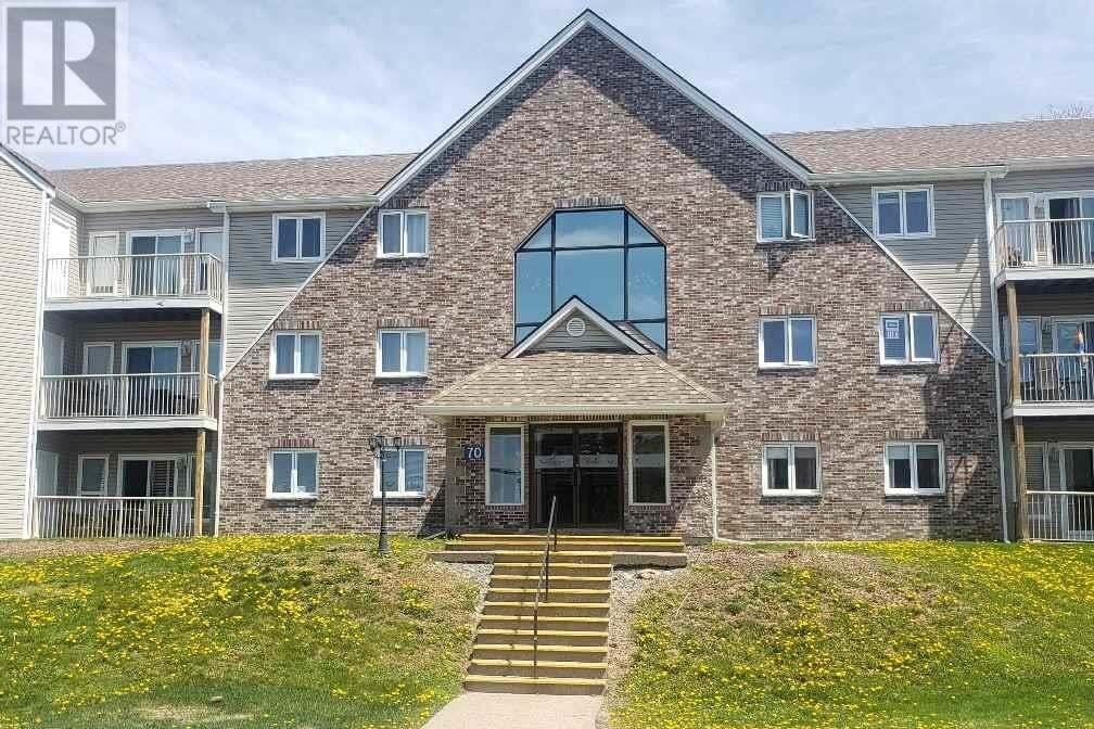 Buliding: 70 Collins Grove, Dartmouth, NS