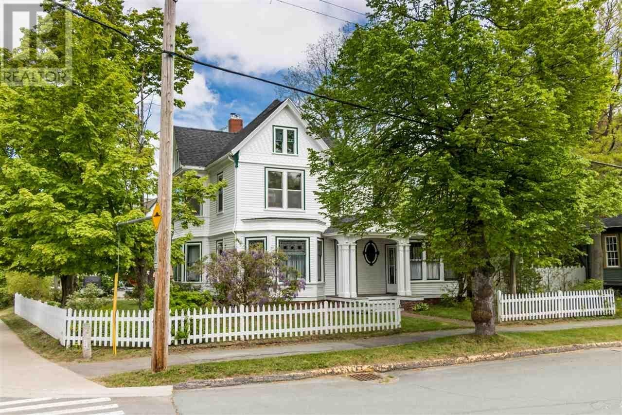 House for sale at 20 Acadia St Wolfville Nova Scotia - MLS: 202011552