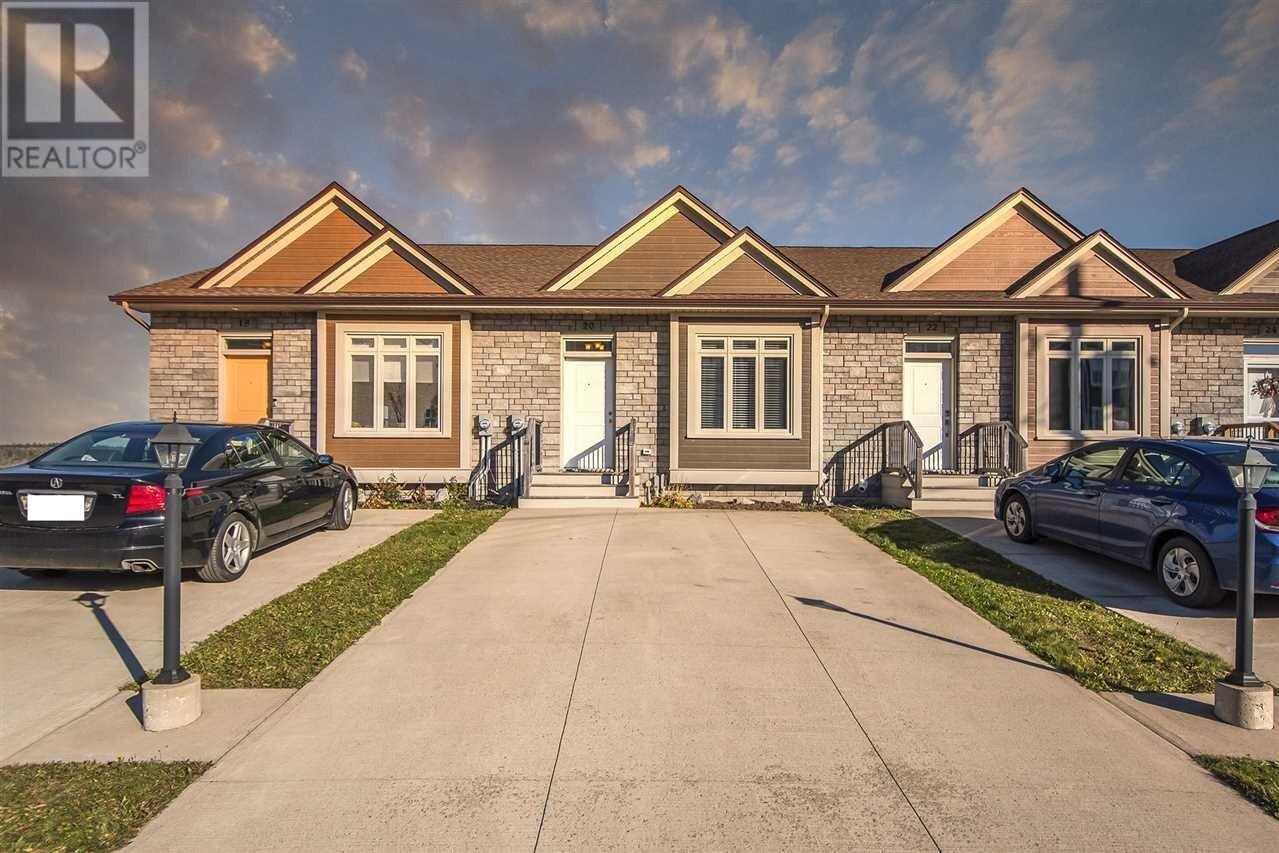 Townhouse for sale at 20 Cabernet Ct Timberlea Nova Scotia - MLS: 202023604
