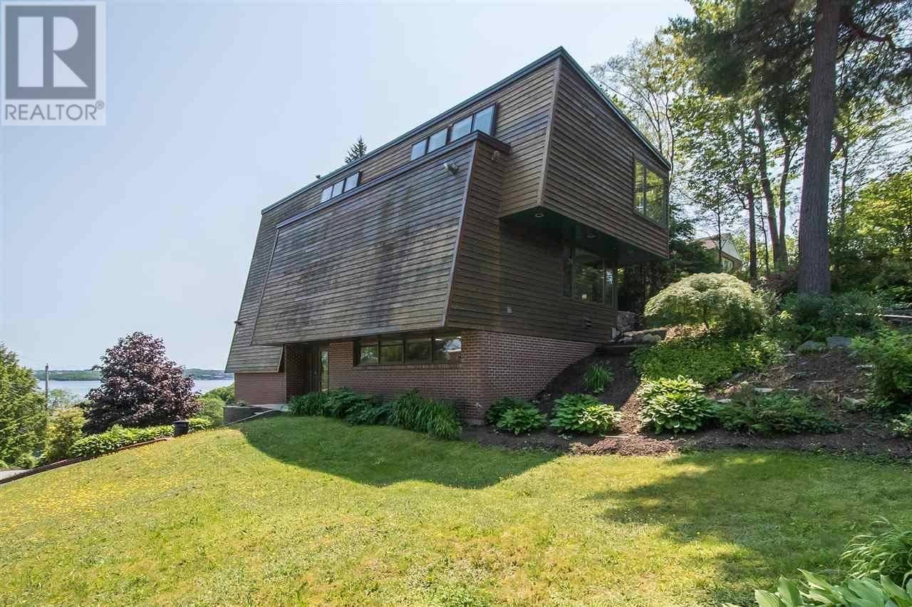 House for sale at 20 Cascade Dr Halifax Nova Scotia - MLS: 201916019