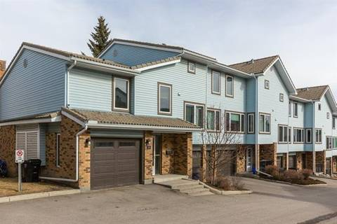 Townhouse for sale at 20 Coachway Garden(s) Southwest Calgary Alberta - MLS: C4289923