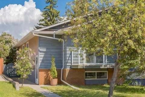 Townhouse for sale at 20 Falconridge Pl Northeast Calgary Alberta - MLS: C4302854