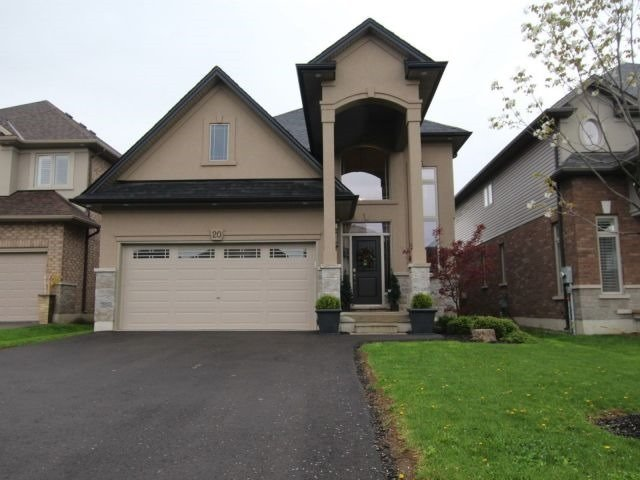For Sale: 20 Ferrino Court, Hamilton, ON | 4 Bed, 3 Bath House for $824,999. See 20 photos!