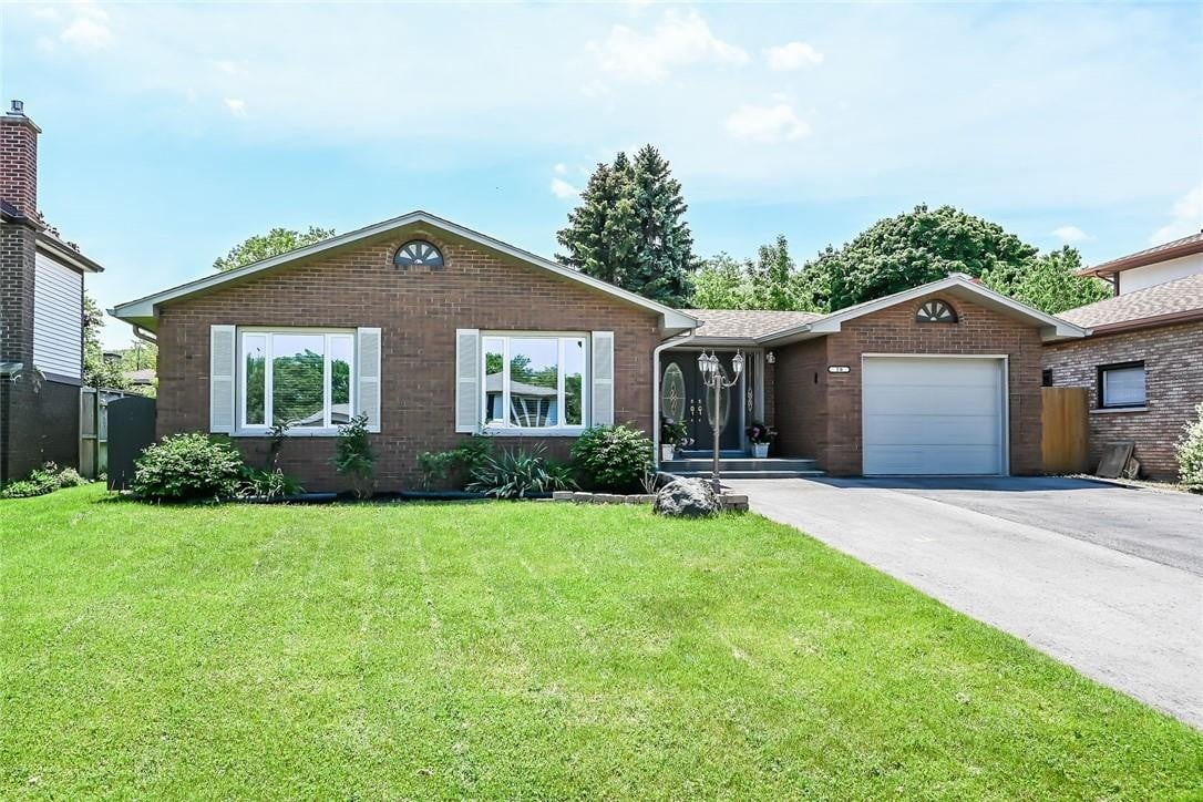 House for sale at 20 Ivan Cres Grimsby Ontario - MLS: H4079517