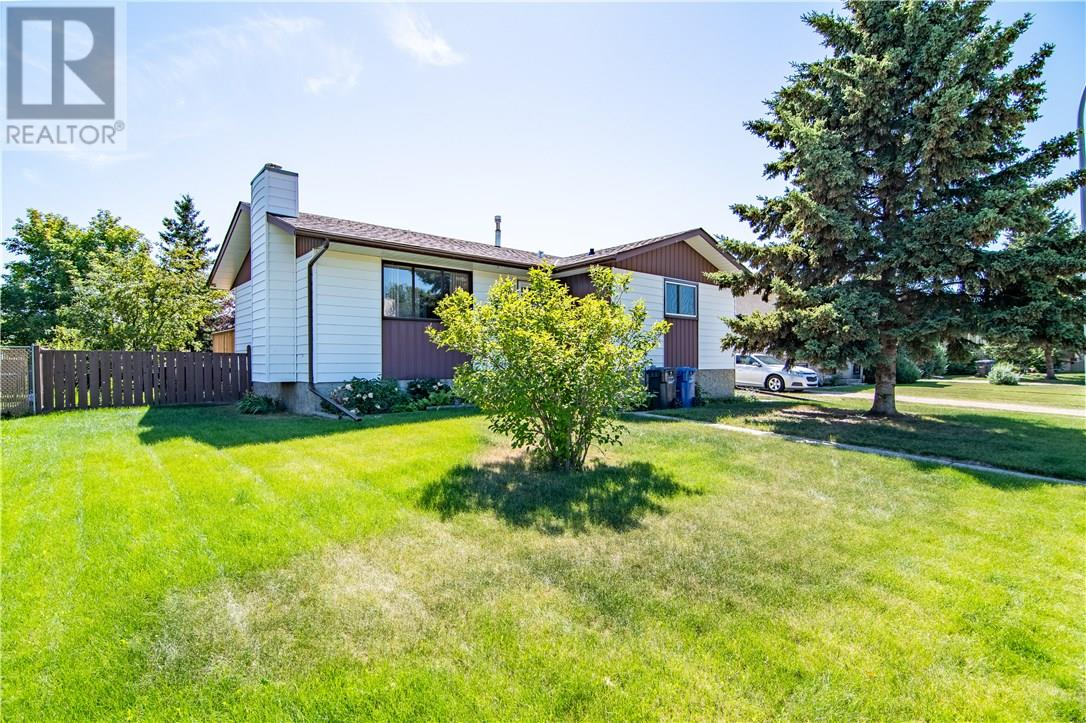 Removed: 20 Larne Place, Penhold, AB - Removed on 2018-11-17 04:18:14