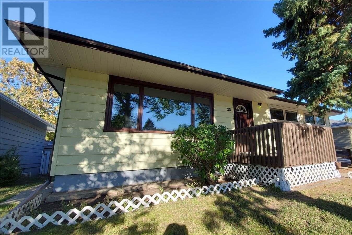 House for sale at 20 Manor Rd Regina Saskatchewan - MLS: SK826516