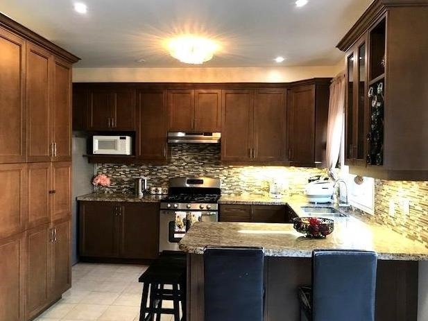 Removed: 20 Maverick Crescent, Vaughan, ON - Removed on 2017-10-31 05:56:31