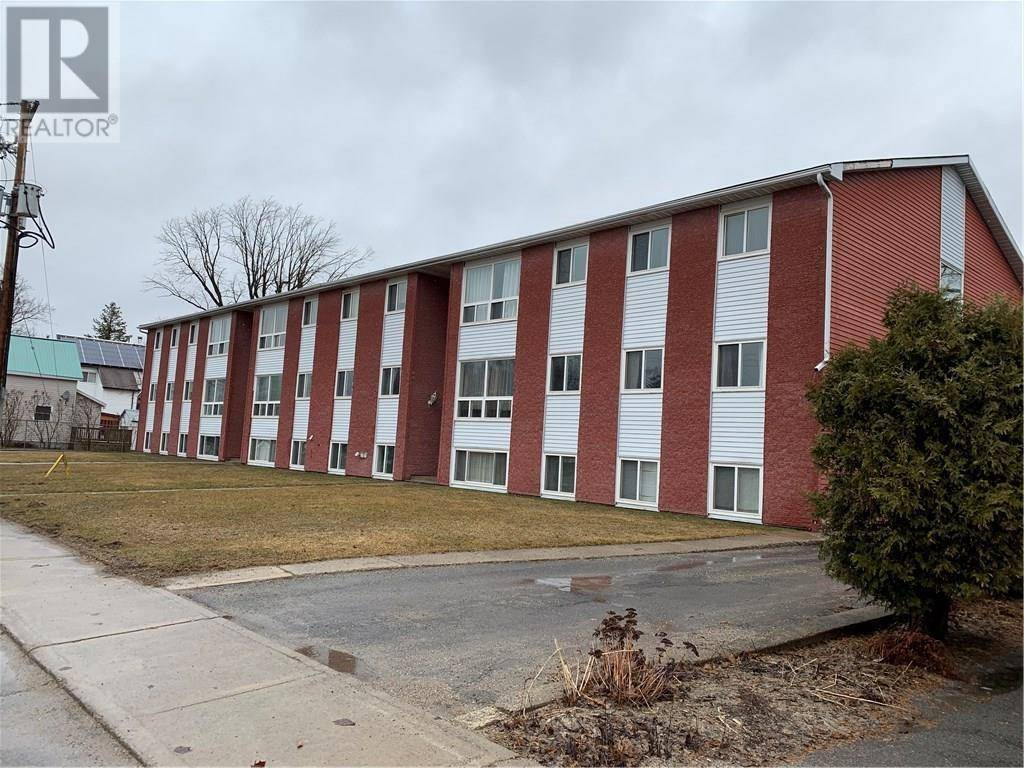 Townhouse for sale at 20 Philip St Smiths Falls Ontario - MLS: 1186702