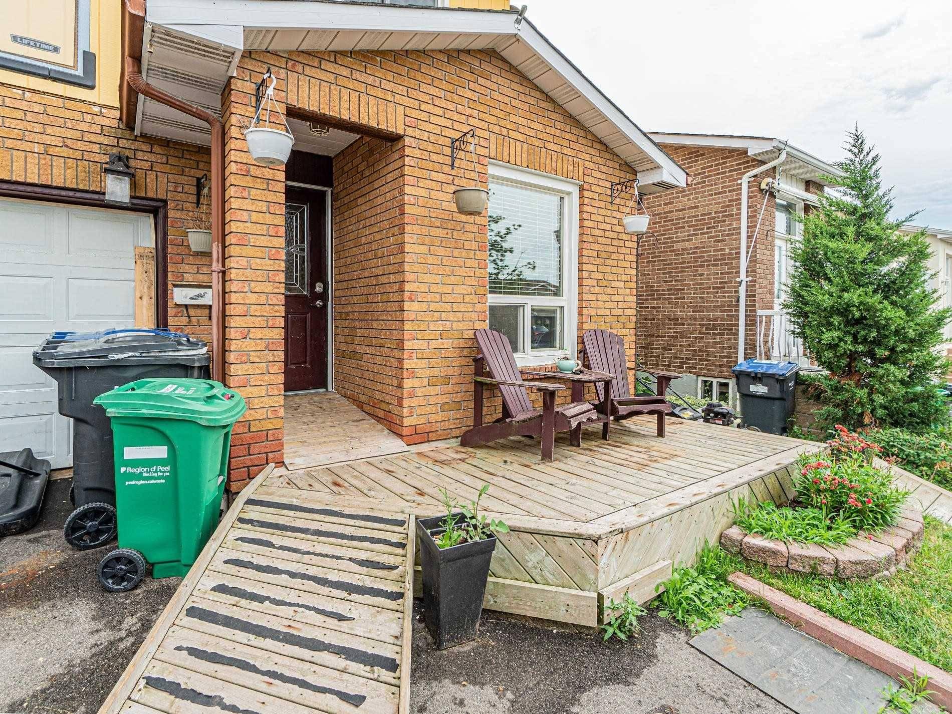 House for sale at 20 Simmons Blvd Brampton Ontario - MLS: W4523645