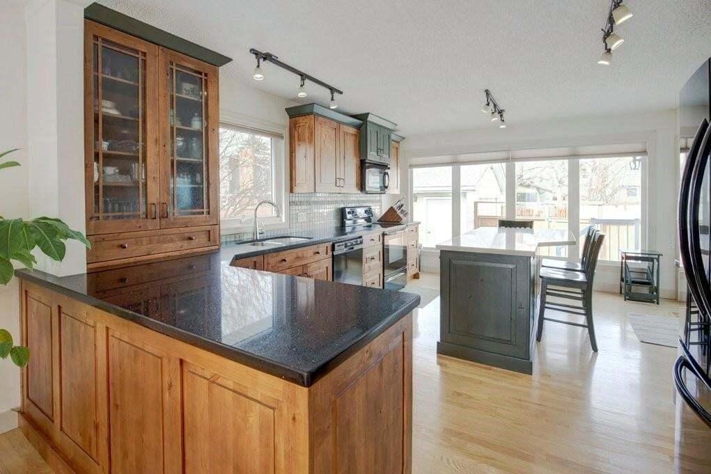House for sale at 20 Sunmount Cl SE Sundance, Calgary Alberta - MLS: C4285365