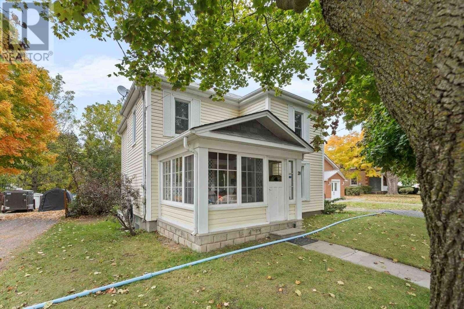 House for sale at 20 Talbot St Picton Ontario - MLS: K20005649