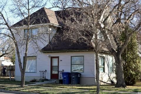 House for sale at 200 3rd Ave E Kindersley Saskatchewan - MLS: SK805956