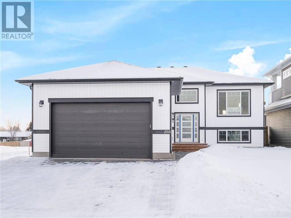 House for sale at 200 Beaverglen Cs Fort Mcmurray Alberta - MLS: fm0182951