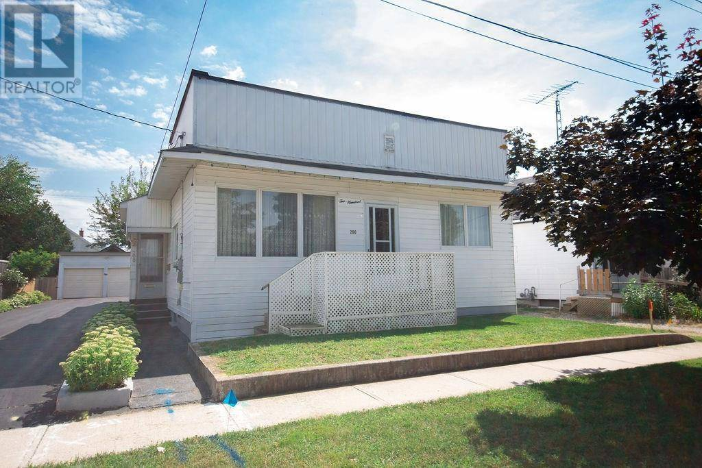 House for sale at 200 Crysler St Delhi Ontario - MLS: 30759589