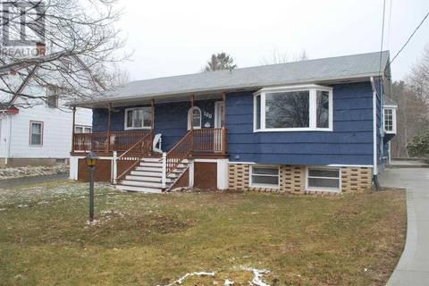 House for sale at 200 Mowatt St Shelburne Nova Scotia - MLS: 201906889