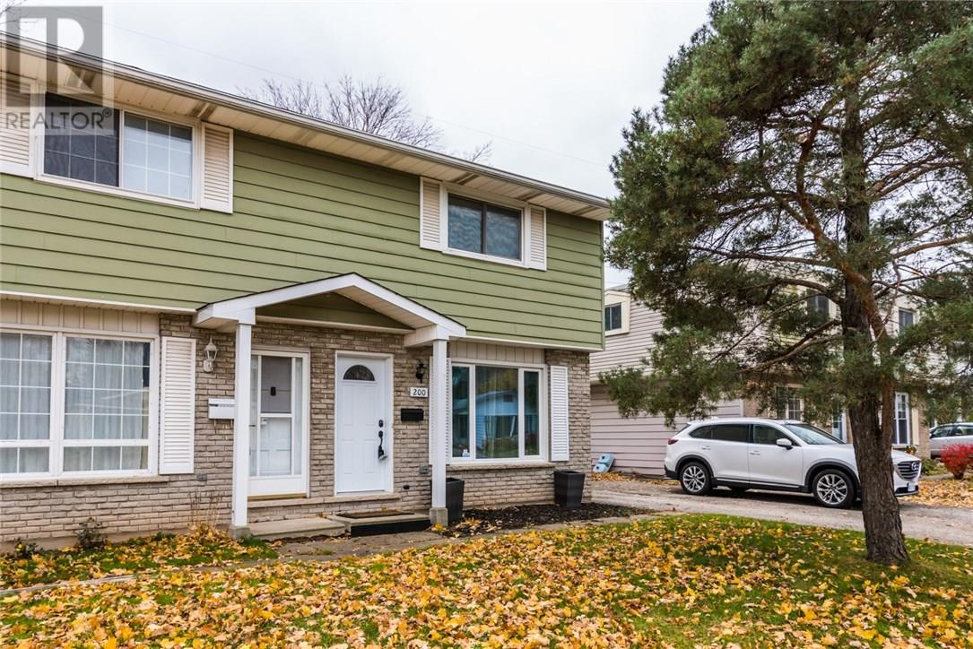 Removed: 200 Pinedale Drive, Kitchener, ON - Removed on 2018-11-17 04:48:17