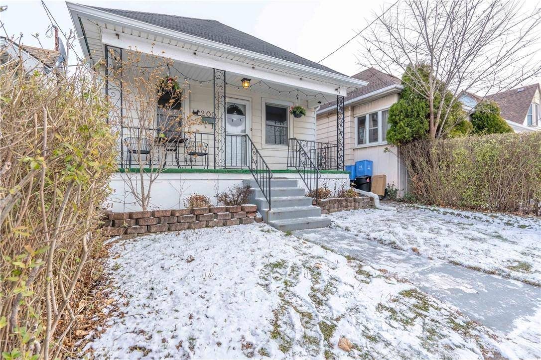 House for sale at 200 Province St N Hamilton Ontario - MLS: H4069780