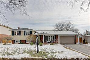 House for sale at 200 Sewell Dr Oakville Ontario - MLS: O4690315