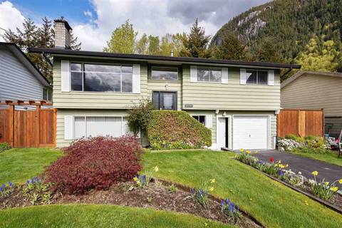 House for sale at 2001 Birch Dr Squamish British Columbia - MLS: R2453257