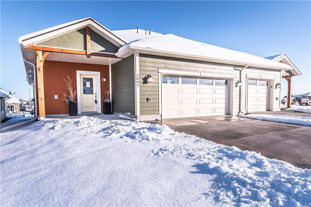 Townhouse for sale at 2002 31 Ave Nanton Alberta - MLS: C4222659